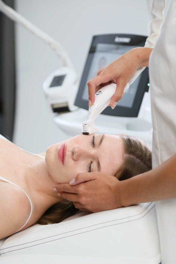 Айкун аппарат для эстетической медицины